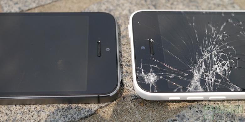 Tekno - Adu Jatuh iPhone Baru, 5S Selamat 5C Pecah