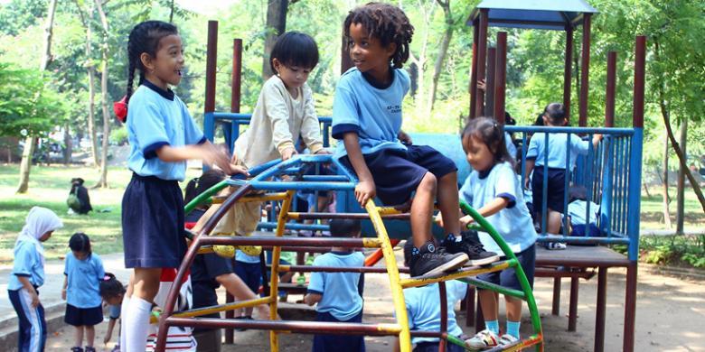 Selain Tempat Wisata Taman Juga Sarana Edukasi Anak Kompas Com