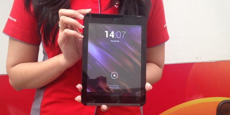 Kesan Pertama Menjajal Tablet Andromax Tab 8 Inci