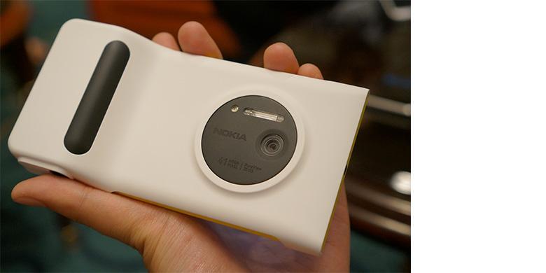 Microsoft Pastikan Nokia Lumia 1020 Masuk Indonesia