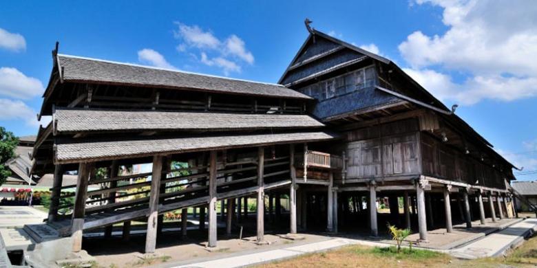 Download this Kusuma Istana Dalam Loka Kesultanan Sumbawa Pada Masa Sultan picture