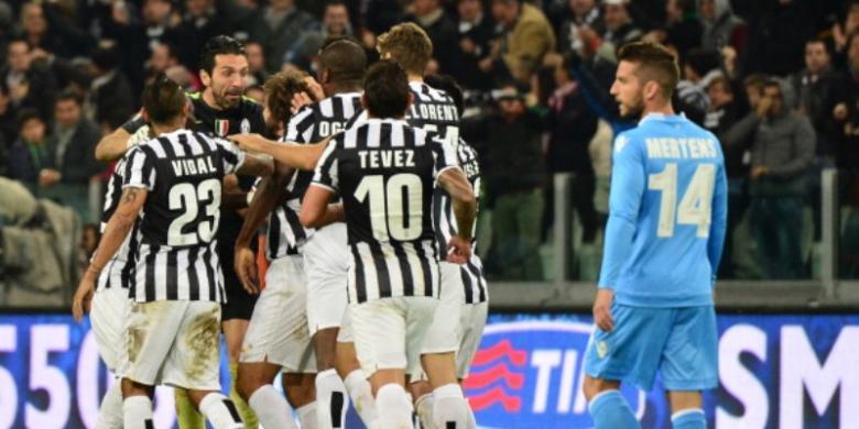 Juventus Menang Agen Bola, Napoli Lengser