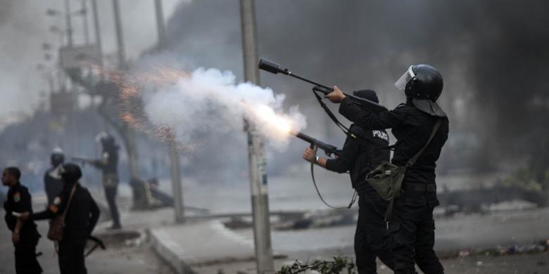 Protes Pembatalan Kasus Mubarak, Satu Pengunjuk Rasa Tewas