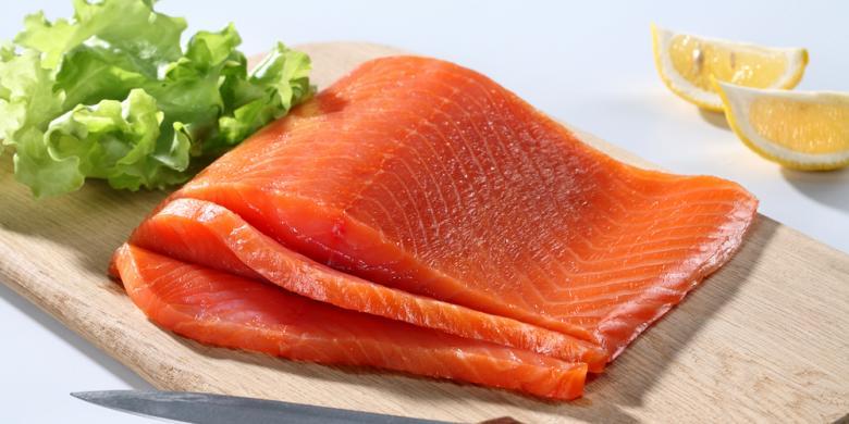 Hasil gambar untuk makan tuna dan salmon