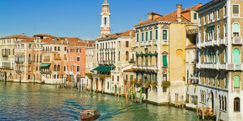 Beberapa Tempat Wisata Italia Terlalu Ramai Dikunjungi Turis