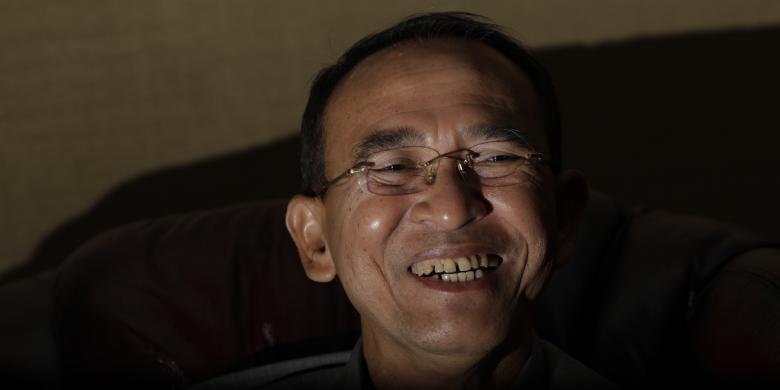 Berita terbaru: KPK Tetapkan Menteri Agama Suryadharma Ali Tersangka