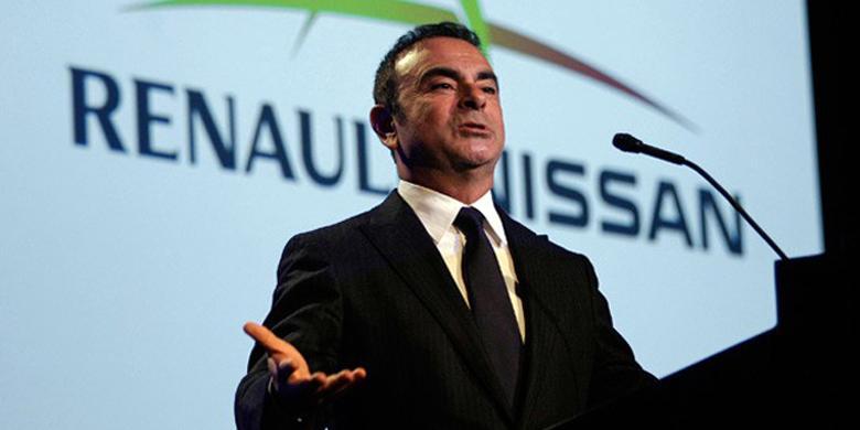 Carlos Ghosn Mundur Jadi Bos Nissan