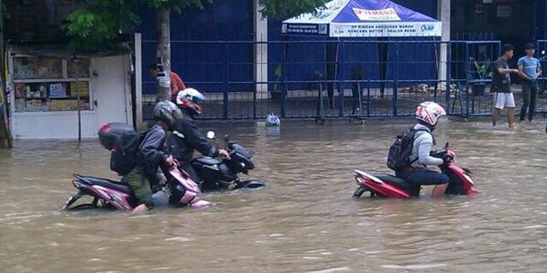 Foto Banjir Jakarta 2014 Parung Tangerang