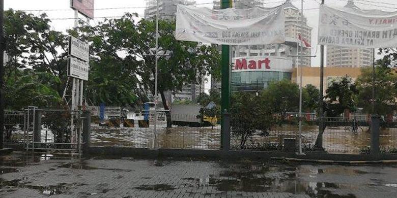 Foto Banjir Kelapa Gading Jakarta Tahun 2014