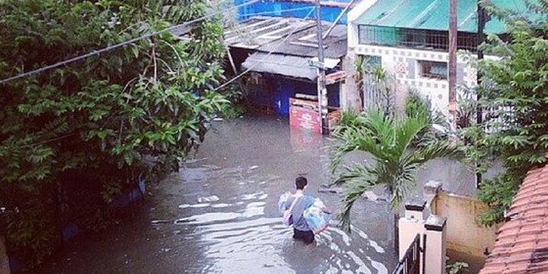 Foto Banjir Jakarta Grogol 2014