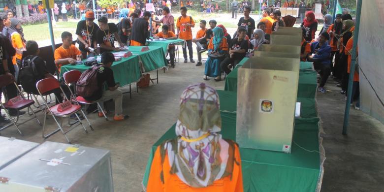 Kompas.com/Nazar Nurdin Sejumlah pemilih pemula dari kalangan