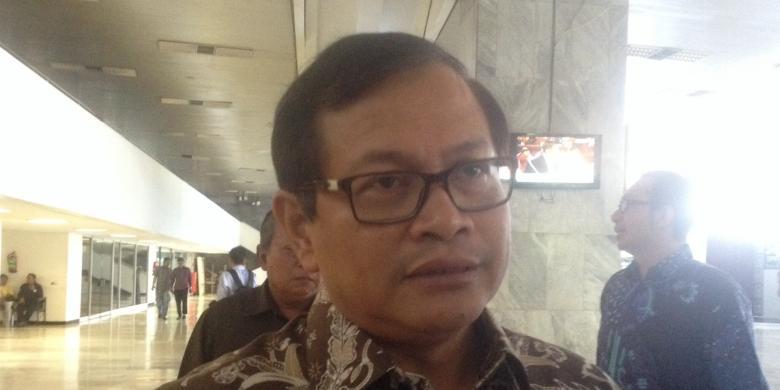 Puisi Fadli Zon: Pramono Anung Tunggu 1.000 Puisi Fadli Zon