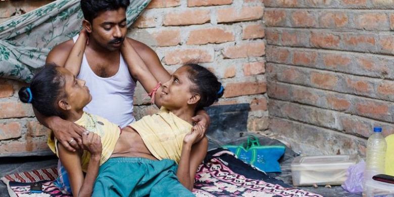 http://assets.kompas.com/data/photo/2014/07/04/2151045Jasimuddin-Gangga-dan-Yamuna780x390.jpg