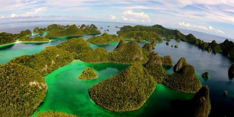 Tujuh Destinasi Wisata Terinspirasi Dari Uang Baru NKRI