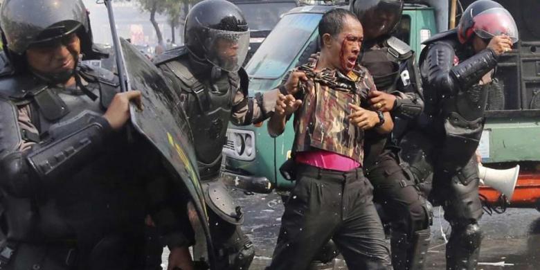 Puluhan Pendukung Prabowo Terluka, Menkopolhukam Minta Maaf