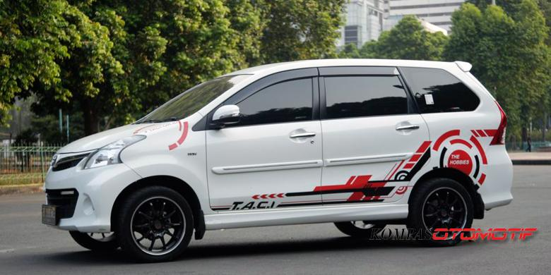 Tips Jitu Pilih dan Rawat Stiker Mobil - Kompas.com Otomotif