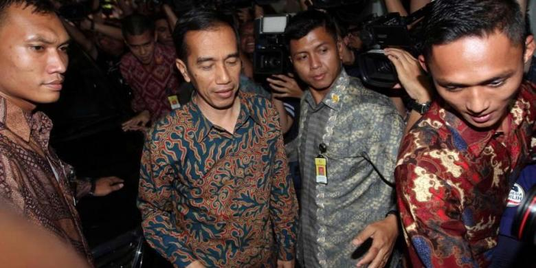 """""""Jokowi Jadi Sasaran Empuk Koalisi Merah Putih Sebut Jatah 16 Kursi untuk Parpol"""""""