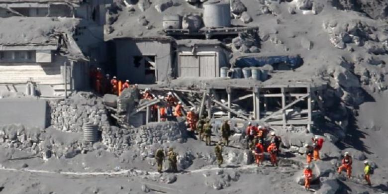 At least 31 killed as a result of the eruption of Mount Ontake in Japan