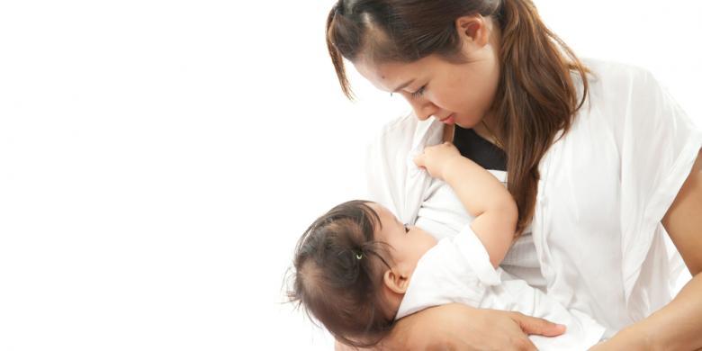 Jangan Berikan ASI Perah kepada Bayi Pakai Dot