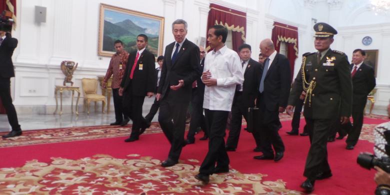 """Jokowi Temani PM Singapura """"Blusukan"""" Di Kendal"""