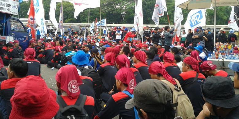 Mpr Dan Dpd Di Jalan Gatot Subroto Jakarta Pusat Rabu 26112014