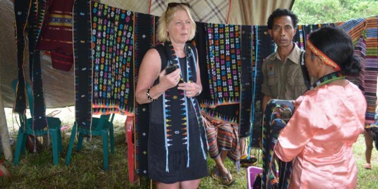 BUDAYA MANGGARAI - FLORES: Artikel tentang Manggarai