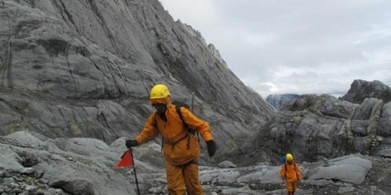Pendakian Gunung Carstensz Papua Salah Satu Yang Termahal Di Dunia