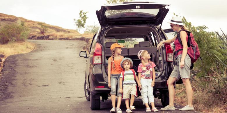 Liburan Bersama Si Kecil? Jangan Lakukan 8 Hal Ini Saat Di Mobil