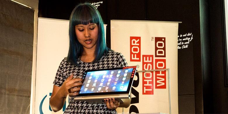 Menjajal Yoga 2 Pro, Tablet yang Bisa Bikin Bioskop Mini