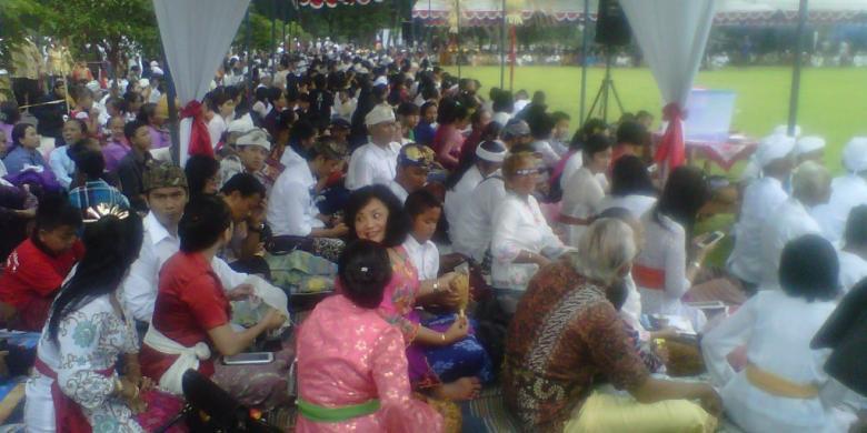 Bersama Jokowi, Ribuan Umat Hindu Ikut Tawur Kesanga di Prambanan