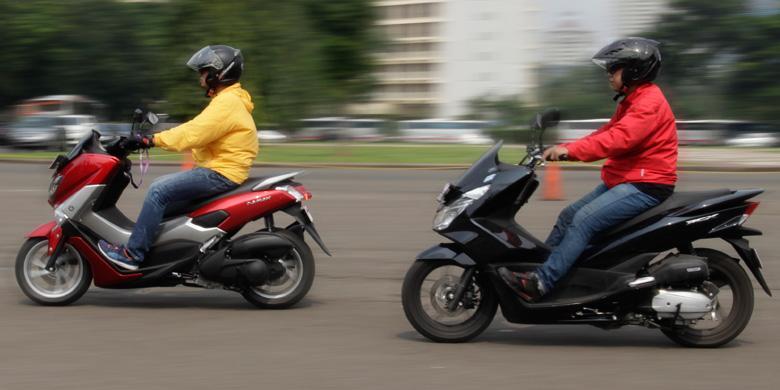 Yamaha Nmax  Vs Honda Pcx