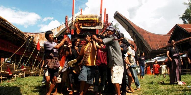 Rambu Solo, Tradisi Pemakaman Unik di Tana Toraja - Kompas.com