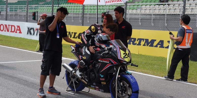 Honda Kalahkan Kawasaki dan Yamaha di Kelas 250cc