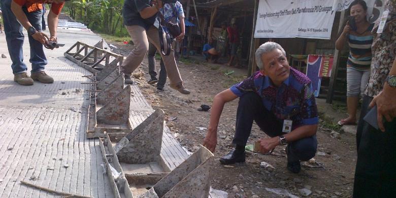 Jalan di jaur gubug-kedungjati, kabupaten groboban, kamis (23/4/2015