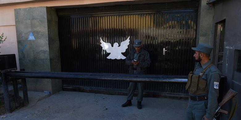 1729467Polisi-Afganistan-menjaga-Park-Pa