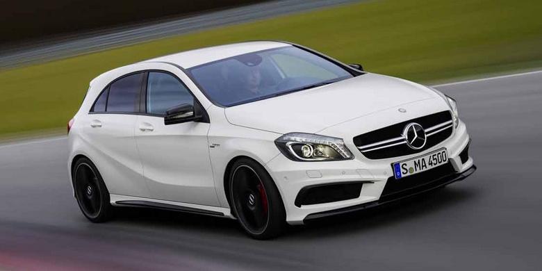 Mercedes-Benz Tertarik Most important Sedan Kecil