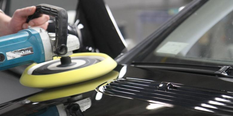 Detailing mobil dengan Nano Ceramic Coating