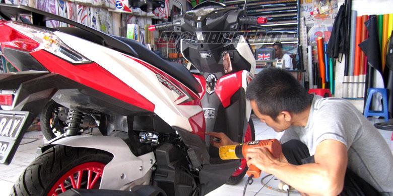 Cara Mudah Melepas Stiker dari Bodi Mobil dan Motor