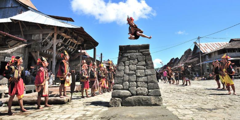 lompat, batu, nias,  rupiah, negara, Sumatera Utara, wisata, tiket, backpacker, sumatera, indonesia, budaya,
