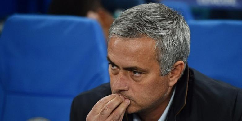 Mourinho Bisa Bantu MU Kalahkan Guardiola