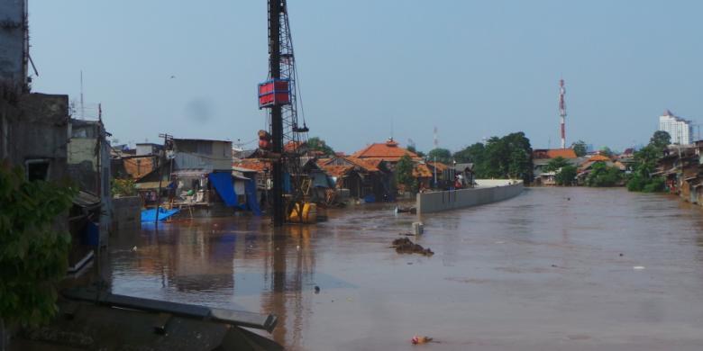 berita indonesia raya sanusi banjir tetap ada relokasi