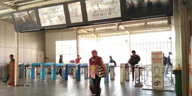Urai Kepadatan di Manggarai, KRL Bekasi-Kota Dialihkan Lewat Senen
