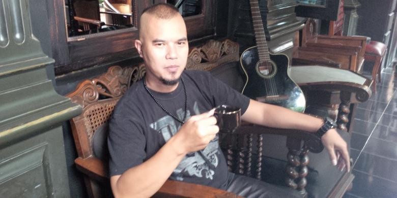 Dunia Pelangi: Ahmad Dhani: Rekaman Ini yang Buat Saya