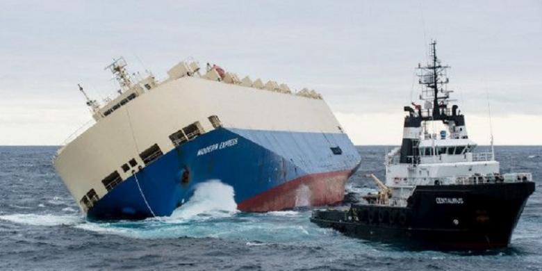 Kapal Kargo Terdampar di Perairan di Pesisir Perancis