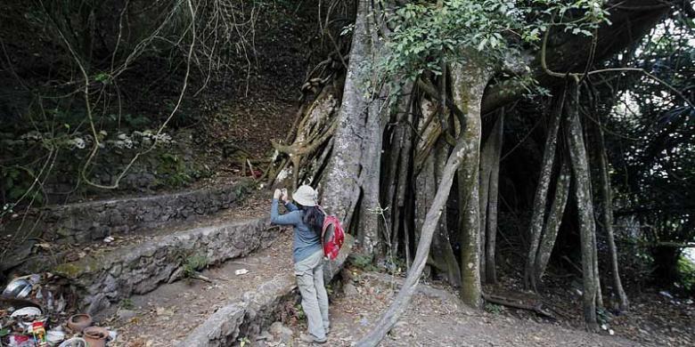 Uniknya Pemakaman Trunyan, Jenazah Hanya Diletakkan Di Atas Tanah