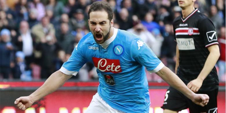 Higuain Di Kabarkan Terbang Ke Juventus