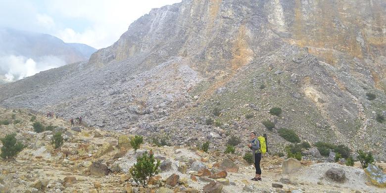 Porter Papandayan, Guide Papandayan, Cocok untuk Pemula, Ini Panduan Lengkap Mendaki Gunung Papandayan