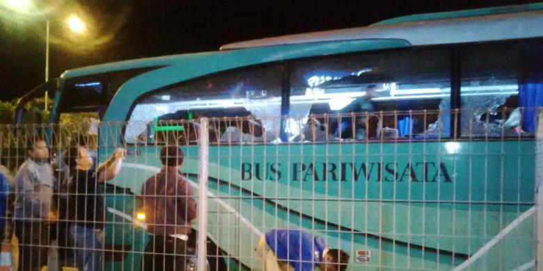 """Diancam """"Sweeping"""", Mobil Rental dan Bus Berplat N Batal Menyebrang Suramadu"""