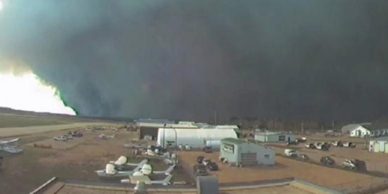 Wilayah Seluas Jakarta Terbakar di Kanada, Puluhan Ribu Warga Diungsikan
