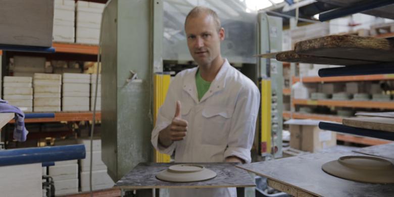 royal delft pembuat keramik biru yang tersisa
